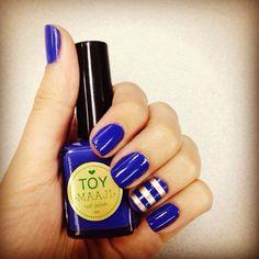 My nails with Toy nail polish. Us Nails, Beauty Nails, Nail Designs, Nail Polish, Make Up, Toys, Outfits, Blue Nails, Beauty