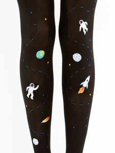 Awesome Space tights by Virivee! The material is super soft, fits nicely thanks to its comfortable stretch. The pattern will not stretch.
