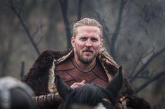 Tobias Santelmann (The Last Kingdom) Lagertha, Earl Ragnar, Uhtred De Bebbanburg, Tobias Santelmann, The Last Kingdom Series, Vikings, Bbc America, Katie Holmes, Hot Guys