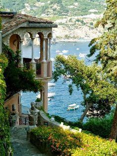 Amalfi  http://georgiapapadon.com/