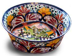 I love, love, LOVE Mexican Talavera pottery. Ceramic Painting, Ceramic Art, Mexican Ceramics, Paint Your Own Pottery, Talavera Pottery, Plates And Bowls, Mexican Art, Hand Painted Ceramics, Ceramic Plates