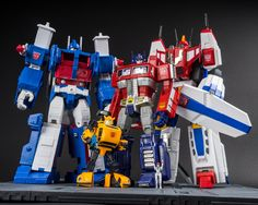 Transformers Masterpiece MP-22 Ultra Magnus, MP-21 Bumble (Bumblebee), MP-10 Convoy (Optimus Prime) and MP-24 Star Saber