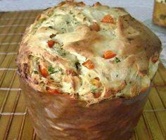 INGREDIENTES 215 g de farinha de trigo 40 g de manteiga 1 pitada generosa de sal 1 pitada generosa de açúcar 1 gema 1 sachê de sa...