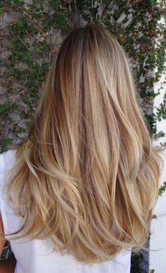Golden Blonde Balayage for Straight Hair - Honey Blonde Hair Inspiration - The Trending Hairstyle Blonde Hair Looks, Honey Blonde Hair, Balayage Hair Blonde, Brunette Hair, Blonde Hair Colour, Brunette With Blonde Balayage, Warm Blonde Highlights, Beachy Blonde Hair, Blonde Hair For Brunettes