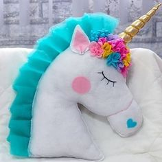 ✨Here is the latest Unicorn pillow, Im in love with this pi Felt Crafts, Diy And Crafts, Crafts For Kids, Arts And Crafts, Unicorn Cushion, Unicorn Pillow, Unicorn Rooms, Unicorn Bedroom, Sewing Pillows