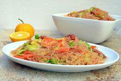 Pansit Bihon Guisado...filipino-style stir-fry noodles and assortment of vegetables and meat http://www.kawalingpinoy.com/2013/03/pancit-bihon-guisado/