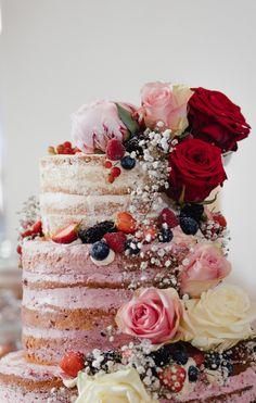 Ich liebe Naked Cakes. Sie sehen einfach so unglaublich gut aus, sind toll zu fotografieren und nebenbei machen sie nicht annähernd so voll, wie eine Fondanttorte <3 #nakedcake #nakedcakeideen #nakedcakeinspo #weddingcake #hochzeitstorte Naked Cakes, Sally, Wedding Cakes, Wedding Ideas, Desserts, Photography, Food, Valentines Day Weddings, Cool Ideas