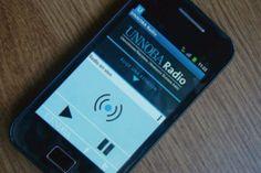 """Estudiantes crearon una aplicación para celular - Estudiantes crearon una aplicación para celular.  Permite escuchar """"UNNOBA Radio"""" en calidad óptima. Fue un trabajo interdisciplinario entre asignaturas de las carreras de Diseño e Informática. La aplicación, que puede descargarse en forma gratuita http://quevasaestudiar.com/notas/172/Estudiantes-crearon-una-aplicaci%C3%B3n-para-celular"""