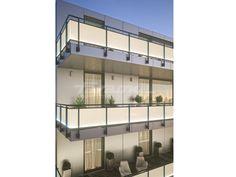 Baranda de escalera en aluminio y vidrio con LED MAIOR COLORS PLUS LED by FARAONE diseño Nino Faraone, Roberto Volpe