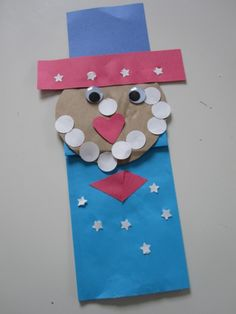 Find patriotic crafts to make this of July extra fun for kids. Quick and easy of July craft ideas will help enhance the holiday spirit and being patriotic. 4th July Crafts, Fourth Of July Crafts For Kids, Patriotic Crafts, 4th Of July, February, Summer Camp Crafts, Camping Crafts, Spring Crafts, Classroom Crafts