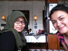 Batavia Cafè with Sheila Mañalac
