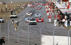 The pace car leads the pack off the grid at the beginning of the pace lap. (Fred Lewis photo)