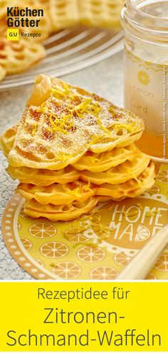 Zitronen-Schmand-Waffeln - Süße Waffeln - Sour makes fun! Our lemon sour cream waffles ensure a good portion of good mood. The wonderfully fresh taste sweetened the cold season. Ketogenic Diet Food List, Keto Food List, Ketogenic Diet For Beginners, Food Lists, Healthy Eating Tips, Eating Habits, Diet And Nutrition, Superfood, Waffles