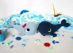 This free amigurumi pattern will help you to crochet a couple of amazing whales: blue whale and narwhal! The whale amigurumi pattern is perfect for beginners. Crochet Animal Patterns, Crochet Patterns Amigurumi, Stuffed Animal Patterns, Crochet Dolls, Amigurumi Minta, Sewing Patterns, Crochet Whale, Crochet Bunny, Cute Crochet