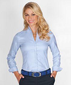 a5df738f729843 Kelchkragen-Bluse, blau aus Twill zum fairen Preis im Daniels & Korff Shop  bestellen