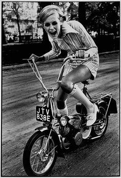 Twiggy 60s cool