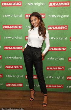 Michelle Keegan looks casual figure at Sky comedy Brassic screening Smart Casual Women, Smart Casual Outfit, Casual Winter Outfits, Michelle Kegan, Michelle Keegan Style, 6th Form Outfits, Emily Ratajkowski Outfits, Timberland Outfits, Timberland Heels