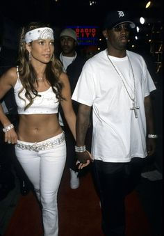 Pin for Later: The Most Outrageous Celebrity Costume Ideas For Halloween Jennifer Lopez at the 2000 MTV Video Music Awards