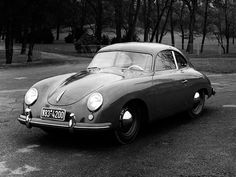 Do black and white photos make cars look more beautiful?