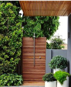 29 Marvelous Winter Garden Design For Small Backyard Landscaping Ideas – aoneper… - Modern Backyard Privacy, Small Backyard Landscaping, Patio Fence, Landscaping Ideas, Garden Privacy, Landscape Design, Garden Design, Outdoor Bathrooms, Outdoor Showers