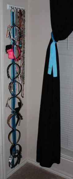DIY Hair Accessories: DIY Ribbon Headband Holder