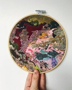 I. CANT. STOP. LOOKING. AWAY @salt_stiches#zibbet #zibbethandmade #makeroftheday #fiberartist #fiberart #embroidery #embroideryhoop #fibre #fibreart #stitches