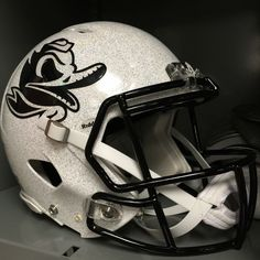 Though the Ducks couldn't pull off the upset this year vs MSU, their uniforms and helmets were beautiful!