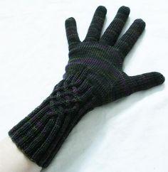 Ravelry: Knotty Gloves pattern by Julia Mueller - Free pattern 4 ply yarn. Mittens Pattern, Knit Mittens, Knitted Gloves, Knitting Yarn, Free Knitting, Knitting Patterns Free, Knitting Designs, Knitting Projects, Ravelry Free Patterns