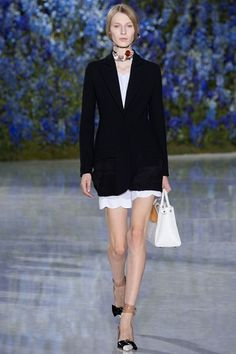 Sfilata Christian Dior Parigi - Collezioni Primavera Estate 2016 - Vogue