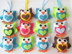 Super cute and happy little owls! - how sweet are these fellows?!