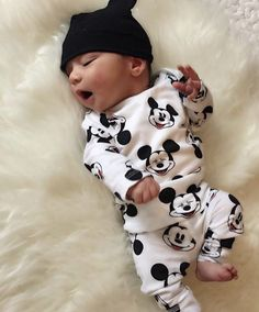 Mommy and me matching outfits, son / baby boy So Cute Baby, Baby Kind, Cute Baby Clothes, Cute Kids, Cute Babies, Disney Baby Clothes Boy, Newborn Winter Clothes, Foto Baby, Cute Baby Pictures