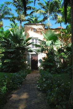 Traditional Coral Gables Home Entrance