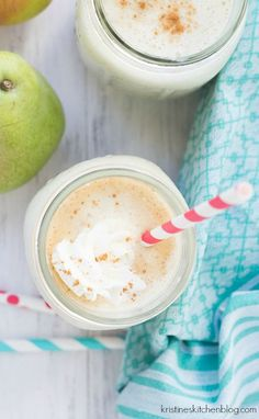 Apple-Pear Oatmeal Smoothie. This healthy breakfast smoothie tastes like apple pie! #REALWholesomeSummer #REALWholesomeSummer