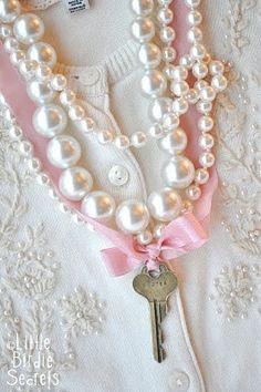 (via Key Elements / Little Birdie Secrets: key to my heart necklace {tutorial})