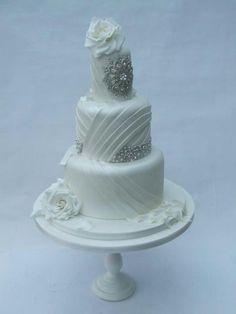 Bling Wedding Cakes | Via Marina Fernandez