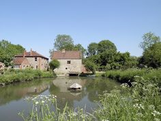 A wonderful setting to relax and unwind with an idyllic romantic view overlooking the mill pond and lovely countryside.