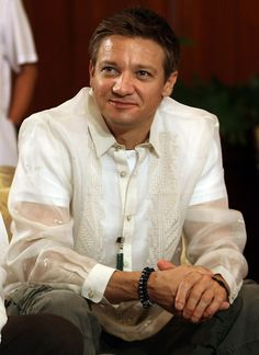Jeremy Renner wearing a barong Tagalog, which is Filipino formal dress for men. He looks beautiful! Jeremy Renner, Barong Tagalog, Filipino Wedding, Filipiniana, Jonathan Rhys Meyers, Clint Barton, Most Handsome Men, Ewan Mcgregor, Hawkeye