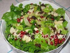 Δίνω μερικές ιδέες για σαλάτες που μπορούμε να φτιάξουμε στις γιορτές. Αυτό δε σημαίνει ότι δεν μπορούμε να τις φτιάξουμε τώρα ή μετά τις γ... Greek Recipes, Diet Recipes, Pasta Salad Recipes, Salad Bar, Guacamole, Cabbage, Food And Drink, Appetizers, Vegetables