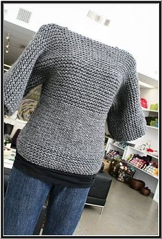 This is an easy knit pullover that is absolutely adorable! Ravelry: Nati pattern by Lucy Hulett Knitting Blogs, Easy Knitting, Yarn Projects, Knitting Projects, How To Purl Knit, Knit Purl, Knitting Patterns, Crochet Patterns, Point Mousse