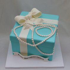 3D Tiffany Box & Pearls Cake