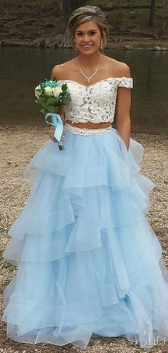 Modest off the shoulder prom gowns.Prom Dresses 2019,long Prom Dresses, #eveningdresses #eveninggowns #formaleveningdresses #promdresses #ballgowns #graduationparty #promdresseslong #promdresseslace #prom #promgown #quinceanera #promdress2019 #prom2k19