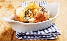 Gyors vacsora: héjában sült krumpli dióval, gorgonzolával és körtével  http://www.nlcafe.hu/gasztro/20150211/gyors-vacsora-hejaban-sult-krumpli-dioval-gorgonzolaval-es-kortevel-recept/