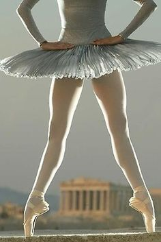 blissfulinallthings:    (via Shall we Dance / Ballet :: ballet-10.jpg image by GoldDstWmn - Photobucket)