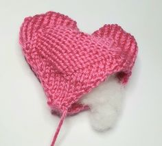 Our free knitted heart pattern will help you answer the NHS appeal to crafters to help comfort patients and relatives during the Coronavirus outbreak. Knitted Heart Pattern, Baby Hat Knitting Patterns Free, Teddy Bear Knitting Pattern, Crochet Patterns, Free Pattern, Knitting For Charity, Knit Basket, Quick Crochet, Crochet Books