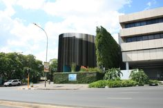 The Circa on Jellicoe: The building is situated just off Jan smuts avenue, before the William Nicole begins. This image is important because it defines the modernity of culture. Within the context of JHB it defines the high end of contemporary society. Whereas 'Fringe' defines art and culture in relation to the lower tiers of societal constructs. Thus emphasizing the notion of extremes.