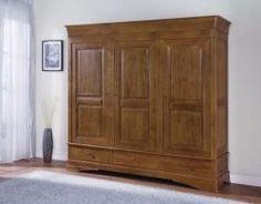 Chateau Oak Triple Wardrobe http://solidwoodfurniture.co/product-details-oak-furnitures-3095-chateau-oak-triple-wardrobe.html