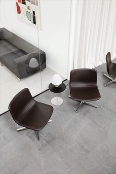 Almost like a cameleon, the Pato Lounge can fit into an endless number of scenarios. The onepiece shell is engineered to be open and slightly angled back, in a well-proportioned chair with a relaxed look. Even with its comfortable padding, the simple curve of the silhouette stays intact and gives the chair a lightweight effect. #Patocollection #patolounge #wellingludvik #fredericiafurniture #craftedtolast #modernoriginals #interiordesign #scandinaviandesign #Paltable #meadowlamp Human Centered Design, Co Working, Hotel Lobby, Lounge Areas, Modern Industrial, Danish Design, School Design, Scandinavian Design, Stools