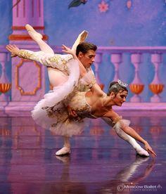 Act I (east coast tour): Internationally award winning ballerina Olga Kifyak as Masha, alongside Viktor Shcherbakov, who danced the role of the Nutcracker Prince. What a phenomenal pair!