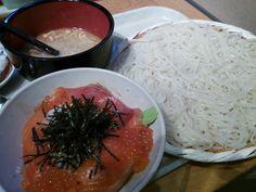 小セット(サーモンとイクラ丼) 1100円