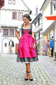 http://www.fashionhippieloves.com/2014/09/my-dirndl-outfit-for-oktoberfest.html